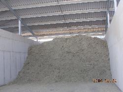 2400 köbméteres alapanyagtároló, takarmánykonyha