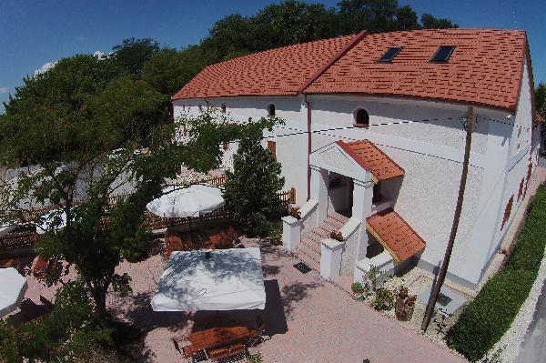 Gyulakeszi - Vendéglő-Malomépület felújítás